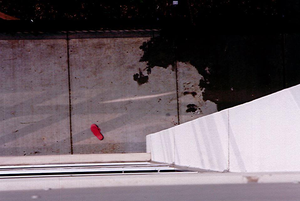 pink-flip-flop-2